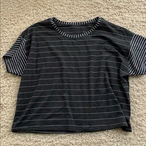 Lululemon crop T shirt